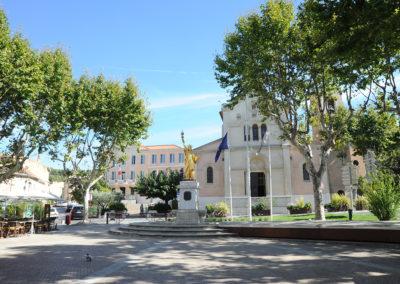 Place centre ville de Saint cyr sur mer